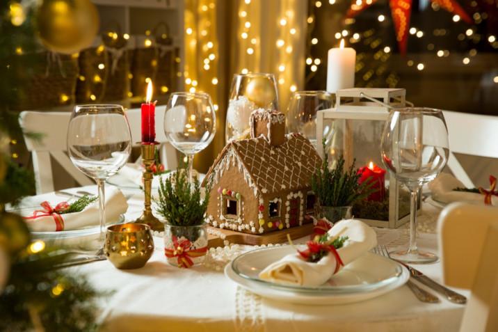 Come apparecchiare la tavola a Capodanno: 7 idee per una mise en place splendida