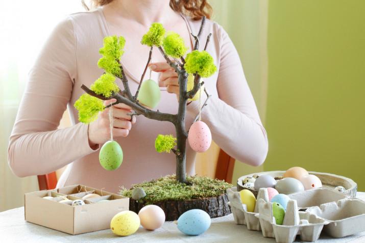 Addobbi albero di Pasqua fai da te: 7 idee facili