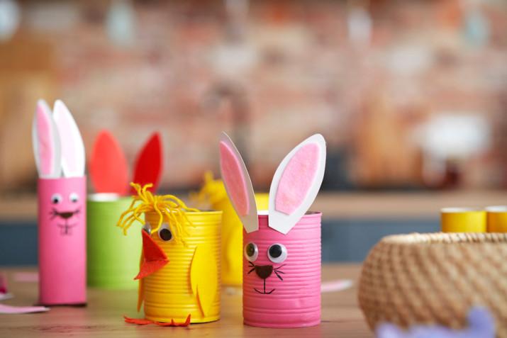 Lavoretti di Pasqua con i barattoli di latta: 3 idee con il riciclo creativo