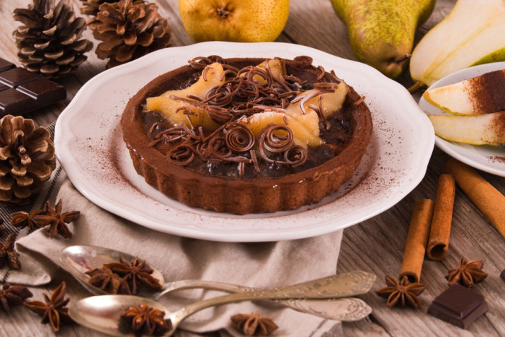 Come decorare una crostata di cioccolato: 7 idee per le decorazioni