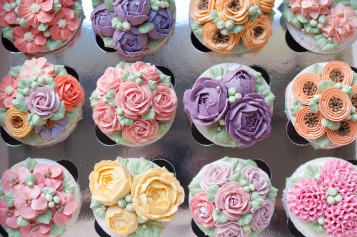 Cupcake decorati con fiori di crema: 7 idee per decorazioni bellissime