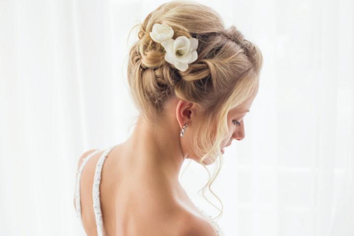 Acconciature sposa 2021: 7 pettinature romantiche ed eleganti