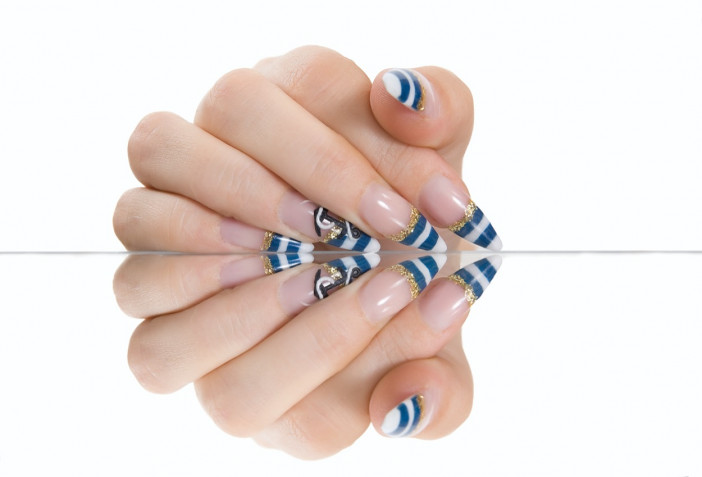 Nail art con le ancore: 5 idee per la manicure estiva