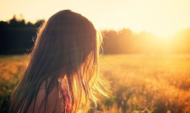 rimedi per rafforzare i capelli nei mesi estivi