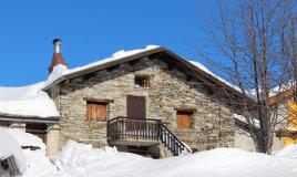 montagna-chalet-inverno-Trentino-neve