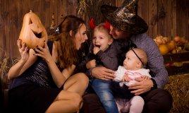 halloween-famiglia-bambini-festeggiamento
