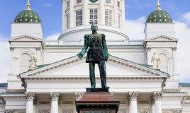 Helsinki Finlandia statua piazza del Senato