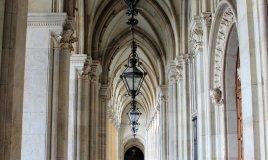 Vienna Austria portico colonne