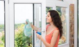 vetri pulizia infissi davanzali detersivo detergente panno sporco smog