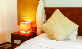 arredamento stile baita lampada lampadari montagna calore colore design