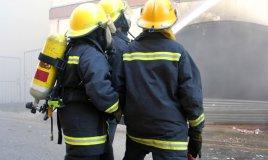 vigili fuoco fumo estintore casa sicurezza famiglia aria