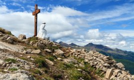 Passo Rolle Trentino Alto Adige Monte Castellazzo croce