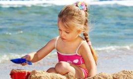 figli, bambino, scottature, estate, sole, protezione, consigli, donne, donna