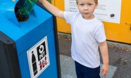 riciclo raccolta differenziata bambini educazione scuola famiglia