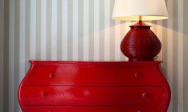 mobile rosso casa