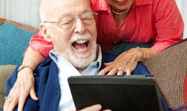 nonna, web, anziani, tecnologia, internet, tablet, cellulari, rete