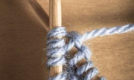 ferri gomitoli lavorare a maglia
