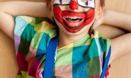 figli, maschera, carnevale, costume, scelta, mamma, mamme, donna, donne
