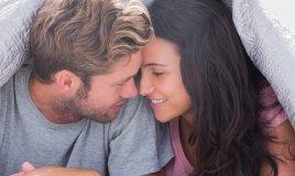 letto coppia intimità passione