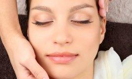 massaggio viso rughe bellezza