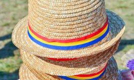Cappelli di paglia e canapa
