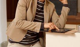 schermo tablet smartphone touch screen graffi macchie pulizia