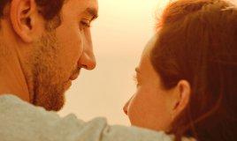 coppia tramonto amore