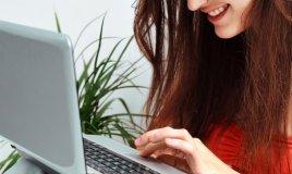 internet web chat avventura relazione coppia donna uomo social network