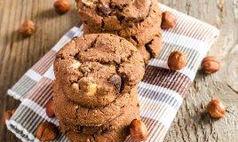 cookies biscotti nocciola cioccolato