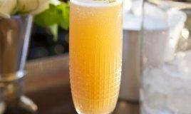 Cocktail Momosa Buck's Fizz champagne succo arancia