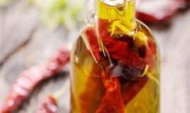 come preparare l'olio piccante fai da te