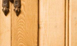 come riparare uno spigolo della porta scheggiato