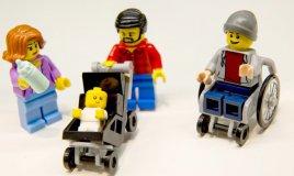 LEGO lancia due nuovi personaggi: papà casalingo e mamma in carriera