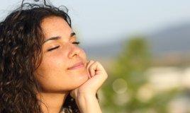 Stress e cibo: come mangiare meno con la meditazione mindfulness