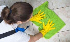 come pulire il gres porcellanato