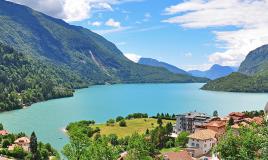 Il Trentino dei laghi e dei passi dolomitici