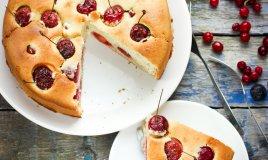 Torta soffice di ciliegie