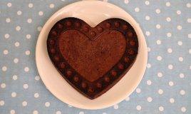 Torta al cioccolato, anche senza glutine e burro