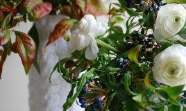 L'arte di decorare con i fiori la tavola delle feste