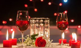 cena romantica, lume candela, tavola