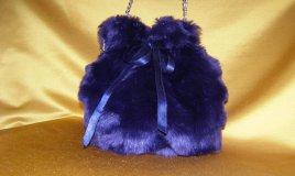 riciclo creativo, pelliccia, pellicciotto, borsa a secchiello, cucito come trasformare, come fare