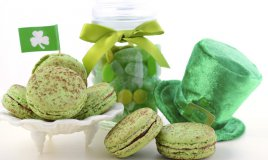 Festa di San Patrizio: la ricetta dei macarons verdi con ganache al Baileys
