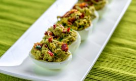 uova ripiene, ricette primaverili, avocado
