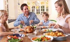 educare bambini a stare a tavola, regole tavola bambini, educazione tavola bambini