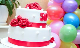 torte compleanno 50 anni, torte 50 anni pasta zucchero