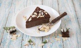 cheesecake, torta fredda, cioccolato, mandorle, ricette dolci