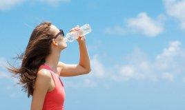 caldo record, litri acqua bere giorno