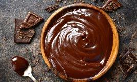 salsa al cioccolato, ricetta, decorazione dei dolci
