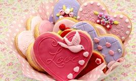 biscotti a forma di cuore, biscotti san valentino pasta di zucchero