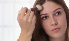 Bagno Di Vapore Brufoli : Brufoli sul viso i rimedi naturali che funzionano donnad